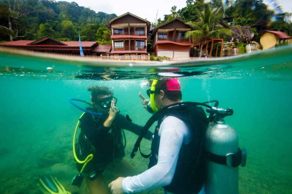 Padi discover scuba diving tioman dive centre malaysia for Dive centres